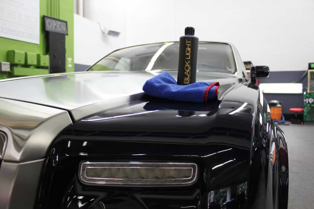 Best Car Wax For Black Cars >> How To Apply Wax On A Black Car